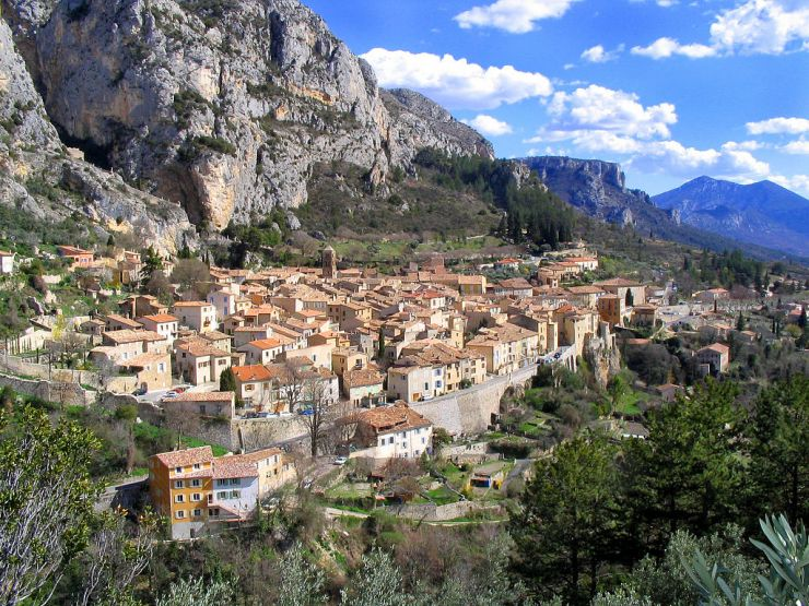 Property for sale in alpes de haute provence france for Haute provence